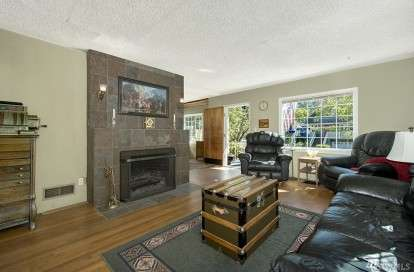 Image: 8015 12th Ave NW