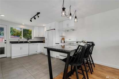 Image: 7742 20th Ave SW